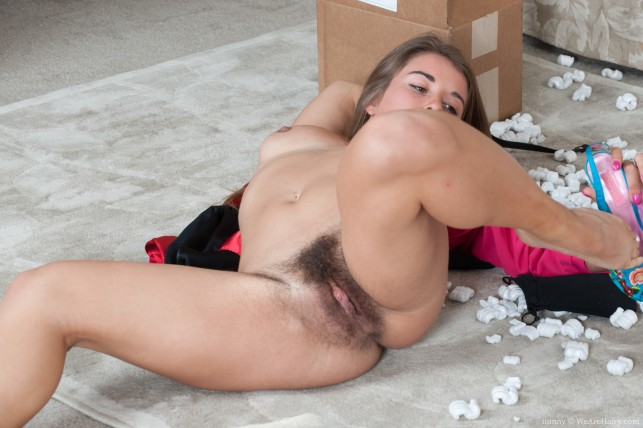 Бритые пилотки порно фото