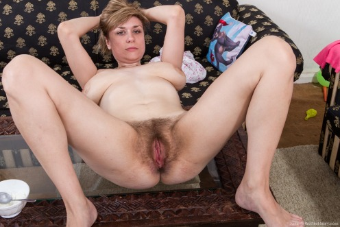Порно фото голые русские волосатые