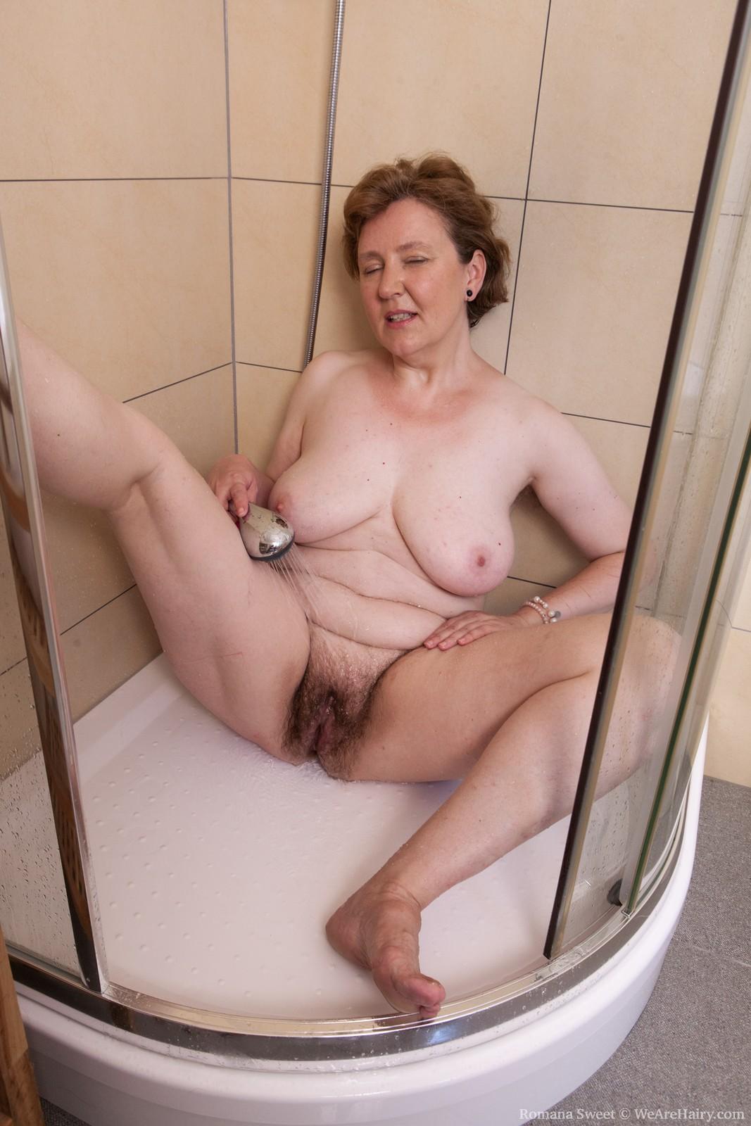 Сестра без трусовк вкароткой юбки порно 14 фотография